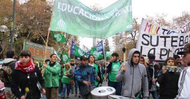20190610 pcia Jornada de lucha por descuentos en educación