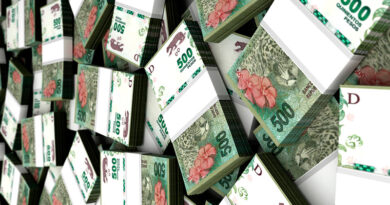 20200921 dinero plata Incautan 10 millones de pesos